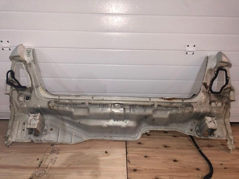 Задняя панель кузова Nissan Cefiro A33 VQ20DE