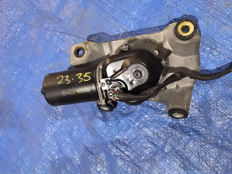 Мотор стеклоочистителя Nissan Serena TC24 QR20DE
