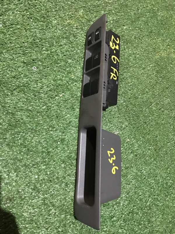 Блок управления стеклоподъемниками Nissan Cube BZ11 CR14DE RE4F03B FQ40