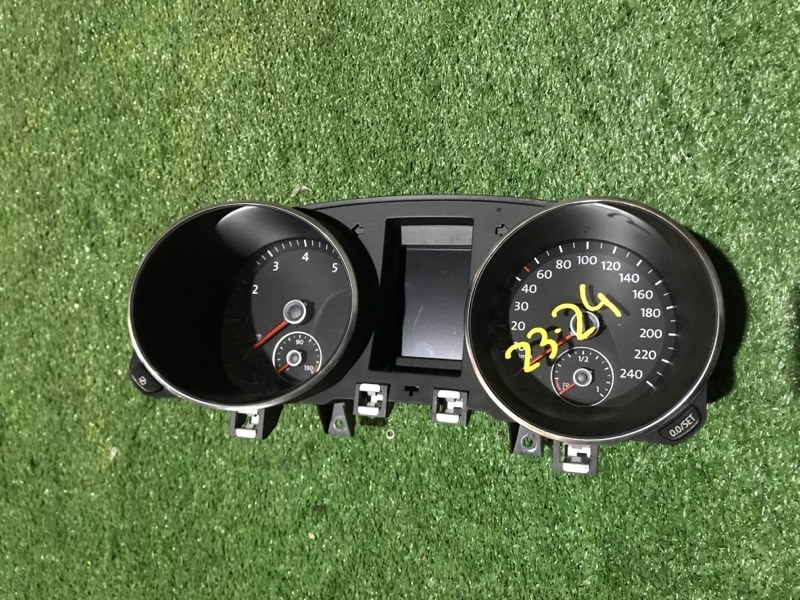 Комбинация приборов Volkswagen Golf CAX 2009
