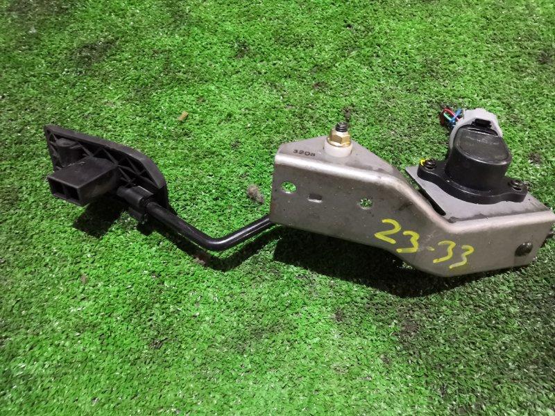 Педаль газа Nissan Bluebird Sylphy QNG10 QG18DE