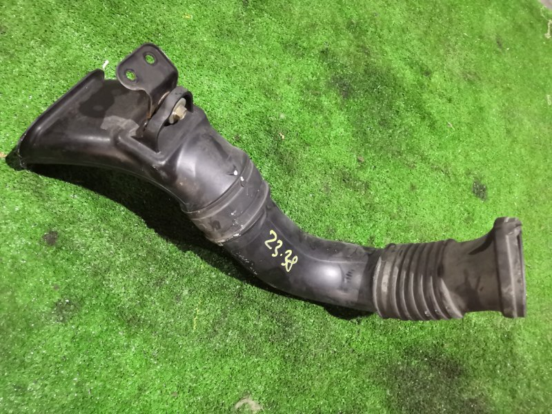 Воздухозаборник Honda Stepwgn RF3 K20A