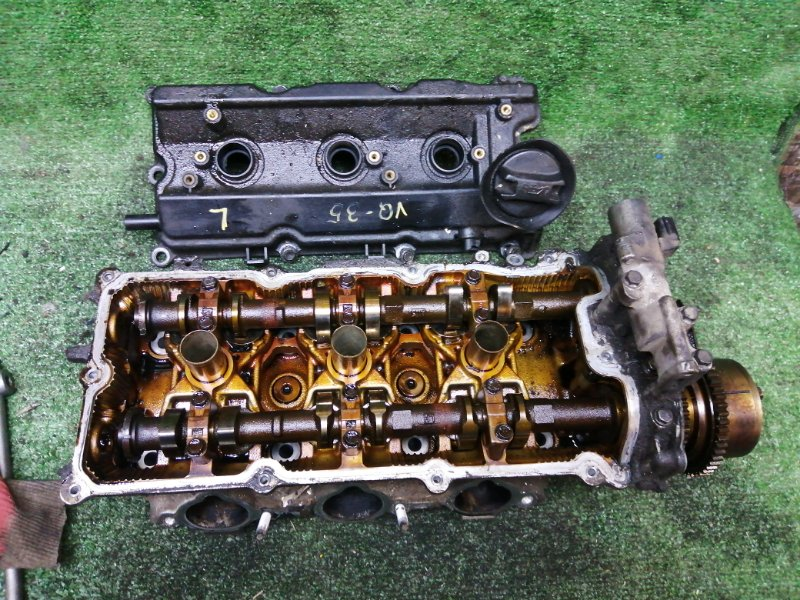 Головка блока цилиндров Nissan VQ35 левая