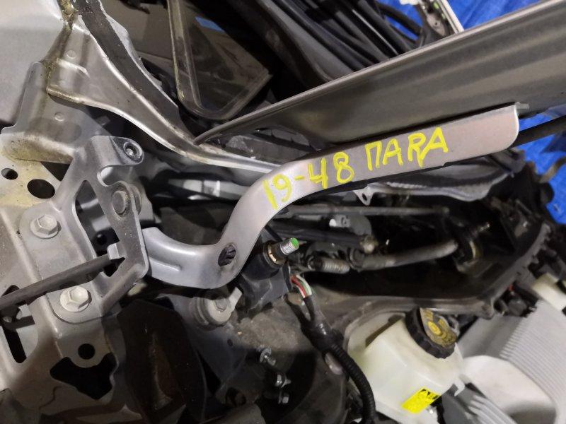 Кронштейн капота Toyota Prius ZVW30 2ZR-FXE