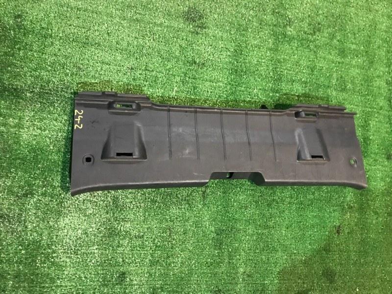 Накладка багажника Toyota Vitz SCP90 2SZ-FE