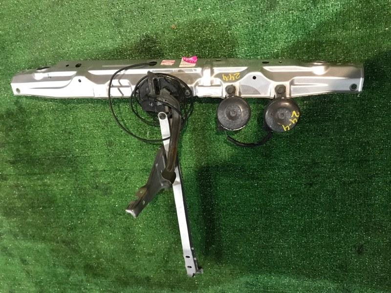 Рамка радиатора Toyota Ipsum ACM21 2AZ-FE
