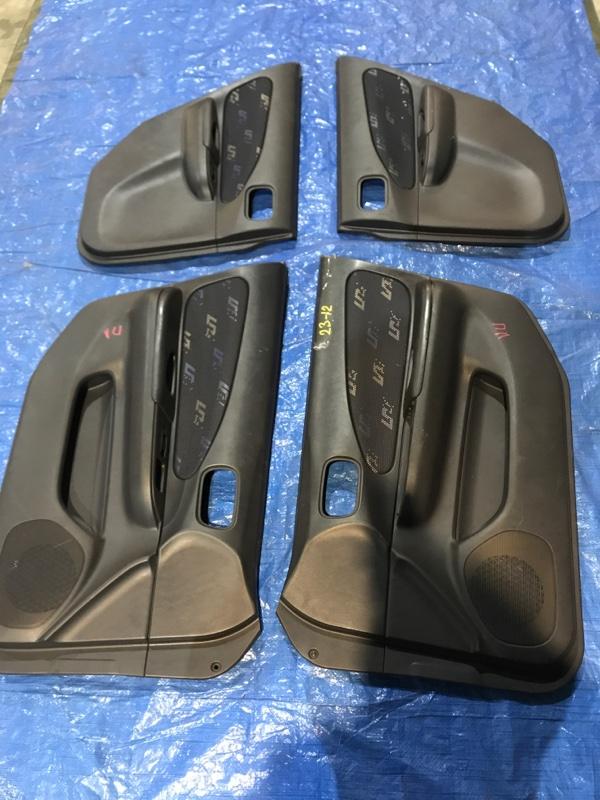 Обшивка двери Nissan Wingroad WFY11 QG15DE