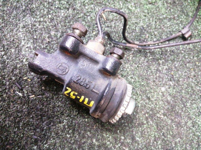 Рабочий тормозной цилиндр Toyota Dyna BU94 14B передний