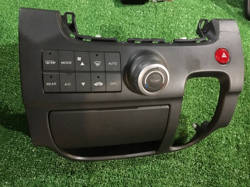 Блок управления климат-контролем Honda Stepwgn RG2 K20A