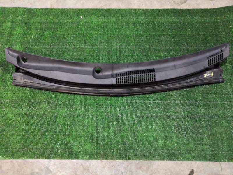 Решетка под лобовое стекло Toyota Passo KGC15 1KR-FE