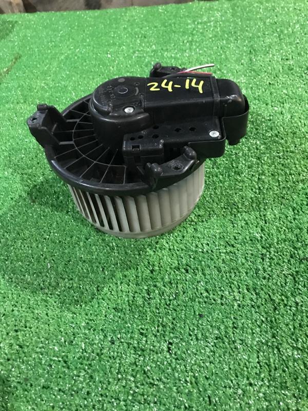 Вентилятор печки Toyota Ractis SCP100 2SZ-FE
