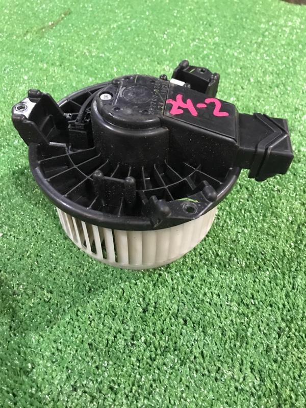 Вентилятор печки Toyota Vitz SCP90 2SZ-FE