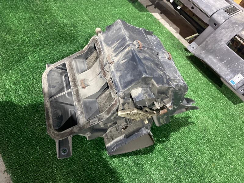 Корпус радиатора печки Mazda Titan WG5AT XA