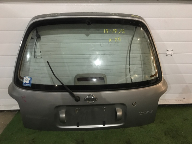 Дверь задняя багажника Nissan March K11 CG10DE