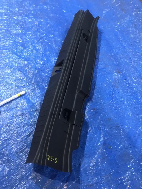 Накладка багажника Honda Stream RN8 R20A