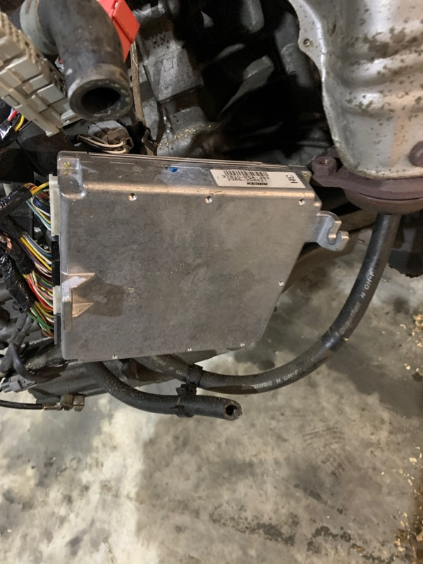 Блок управления двс Honda Stream RN1 D17A
