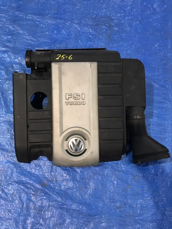 Крышка на двигатель декоративная Volkswagen Passat BWA 2008
