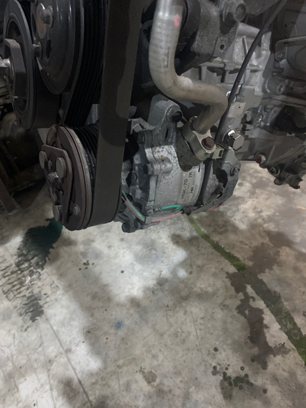 Компрессор кондиционера Honda Stream RN8 R20A