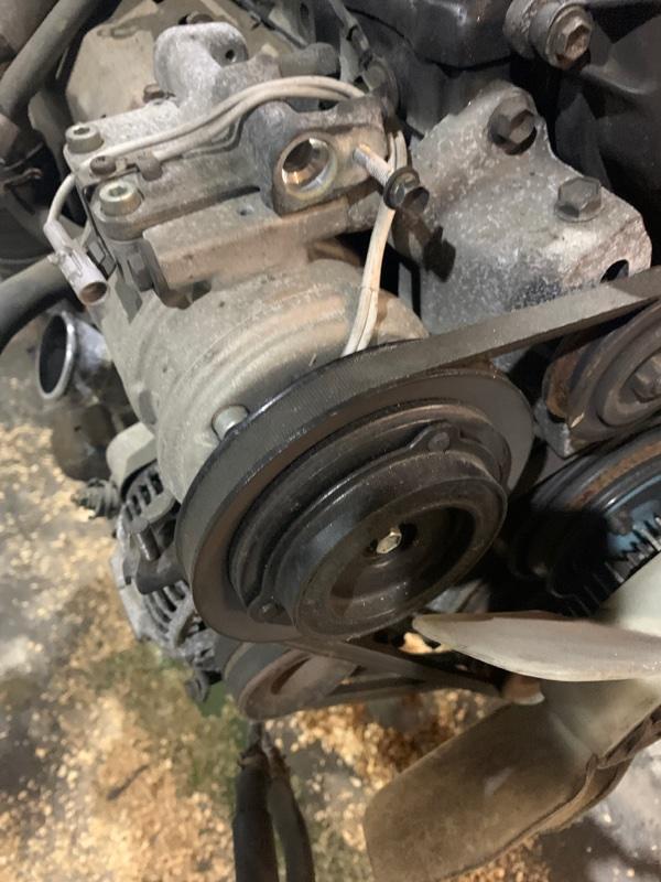 Компрессор кондиционера Toyota Hiace KZH106W 1KZ-TE