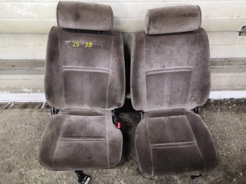 Сиденья Toyota Hiace KZH106W 1KZ-TE передняя