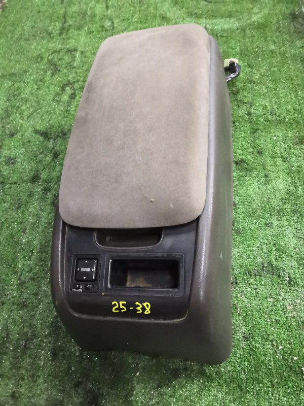 Подлокотник Toyota Hiace KZH106W 1KZ-TE