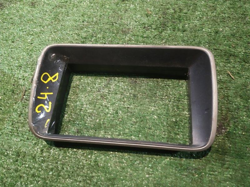 Рамка магнитофона Honda Stepwgn RF4 K20A