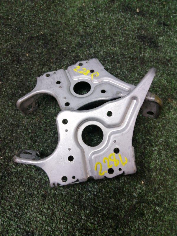 Крепление магнитолы Toyota Mark X GRX120 4GR-FSE