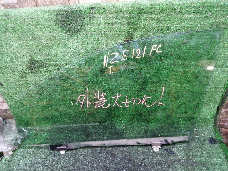 Стекло боковое Toyota NZE121 переднее левое