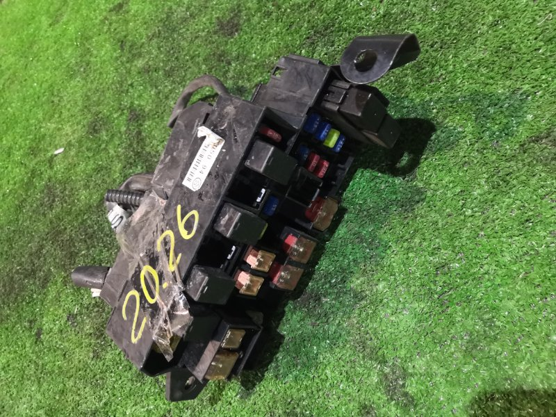 Блок реле и предохранителей Honda Stepwgn RF2 B20B