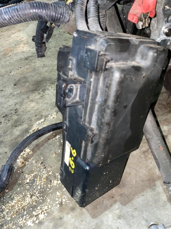 Блок реле и предохранителей Honda Stepwgn RG1 K20A