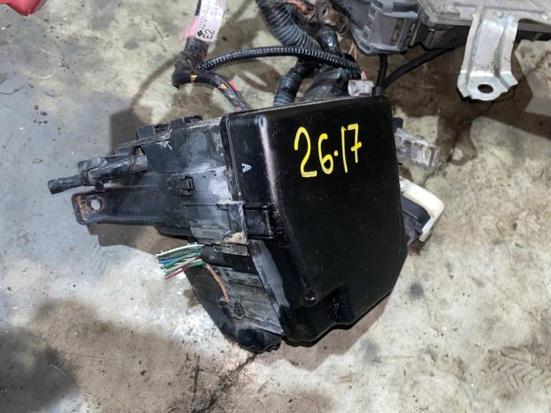 Блок реле и предохранителей Toyota Belta SCP92 2SZ-FE 2006