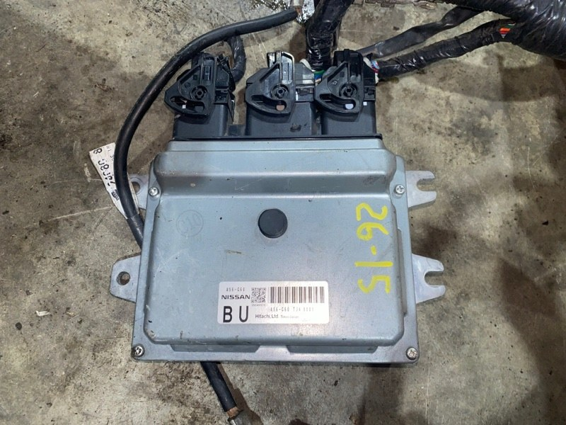 Блок управления двс Nissan Note E11 HR15DE 2008