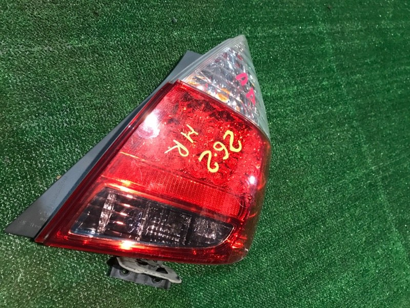 Фонарь стоп-сигнала Honda Fit GD1 L13A правый