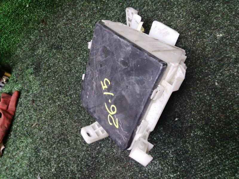 Блок реле и предохранителей Nissan Note E11 HR15DE 2008