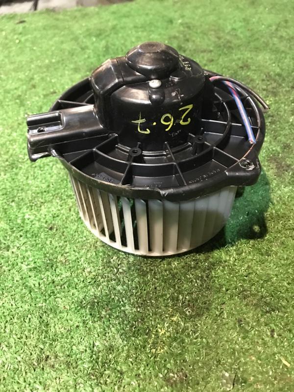 Вентилятор печки Toyota Wish ZNE10G 1ZZ-FE