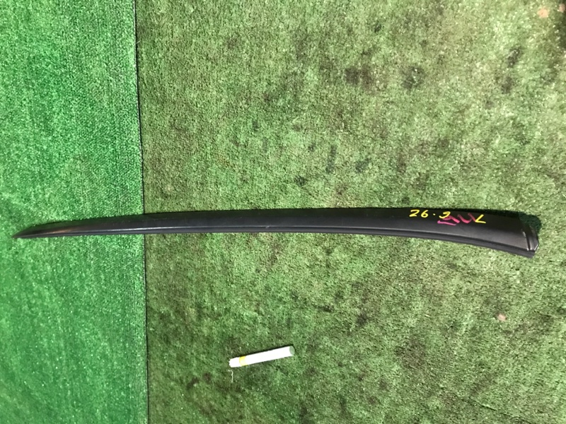 Молдинг лобового стекла Honda Stream RN1 D17A левый