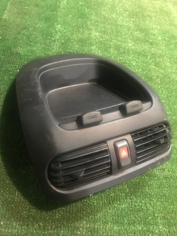 Консоль Nissan Ad VHNY11 QG18DE 2004