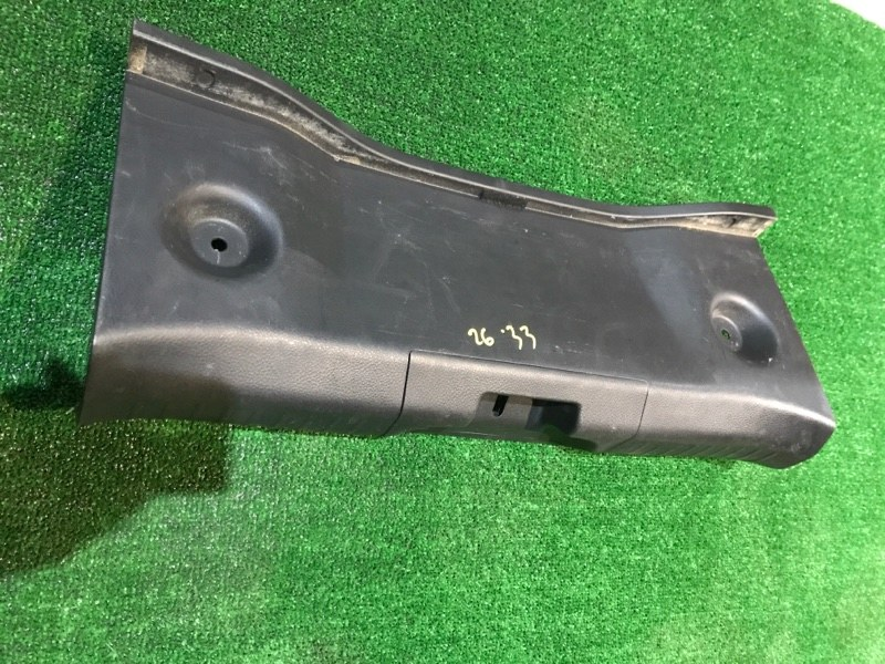 Накладка багажника Nissan Tiida NC11 HR15 2005