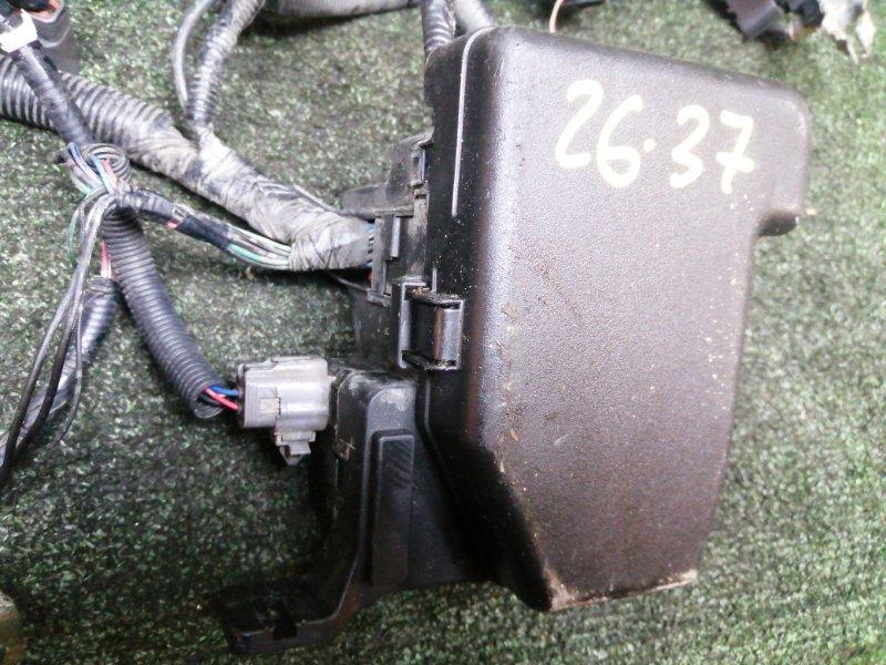 Блок реле и предохранителей Mazda Demio DY3W ZJ-VE