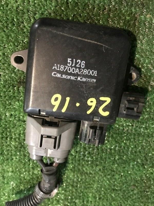 Блок управления вентилятором двигателя Nissan Lafesta B30 MR20DE 2005