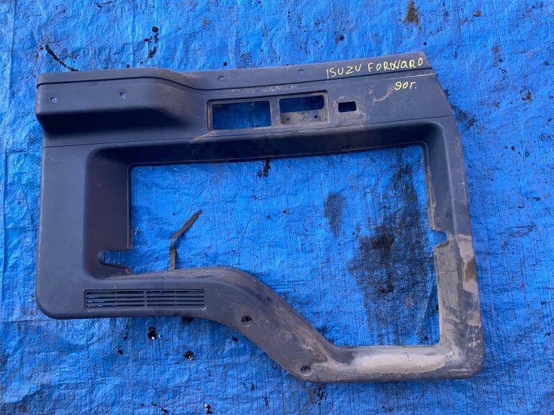 Обшивка двери Isuzu Forward 1990