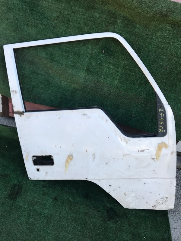 Дверь боковая Mitsubishi Canter FE305B 4D30 1991 правая