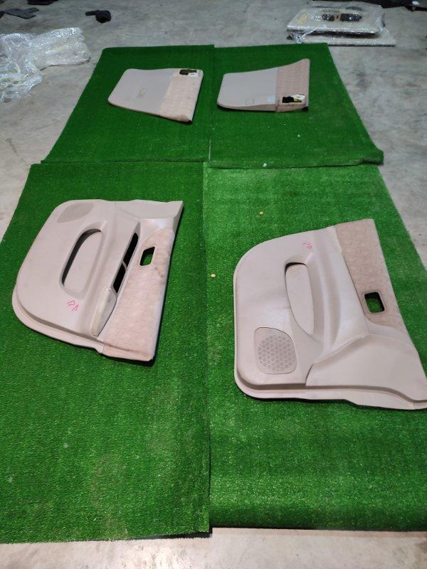 Обшивка двери Nissan Liberty PM12 QR20DE