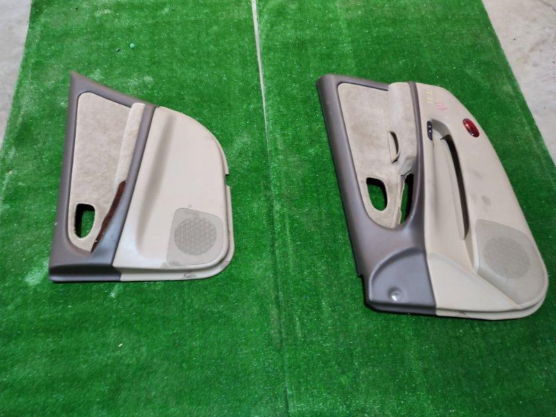 Обшивка двери Nissan Cefiro A33 VQ20DE