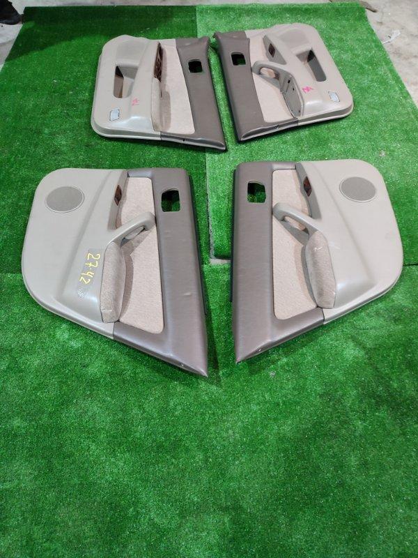 Обшивка двери Toyota Camry SV41 3S-FE