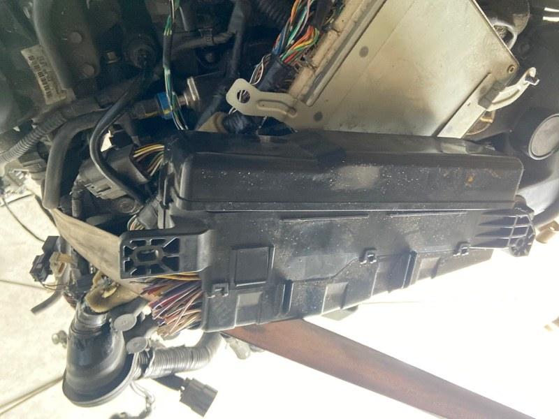 Блок реле и предохранителей Mazda Mpv LW3W L3