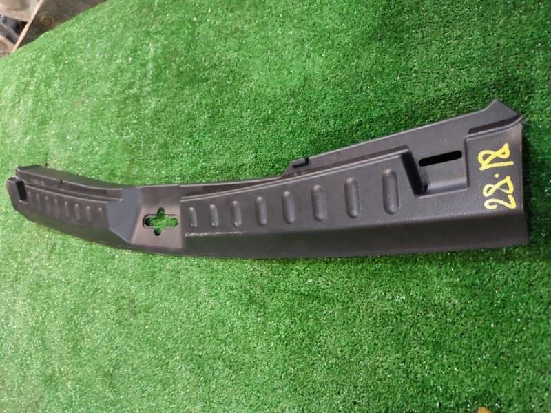 Накладка багажника Nissan Lafesta B30 MR20DE