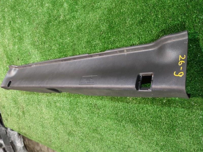 Накладка багажника Honda Stream RN1 D17A