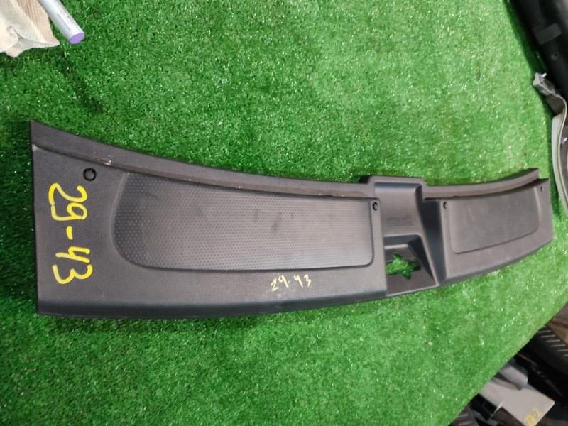 Накладка багажника Nissan Wingroad Y12 HR15