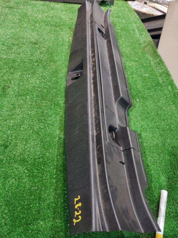 Накладка багажника Honda Stream RN6 R18A